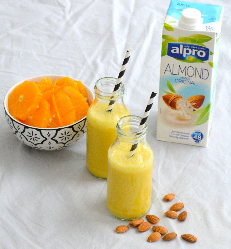 Appelsinsmoothie med Alpro Mandeldrikk