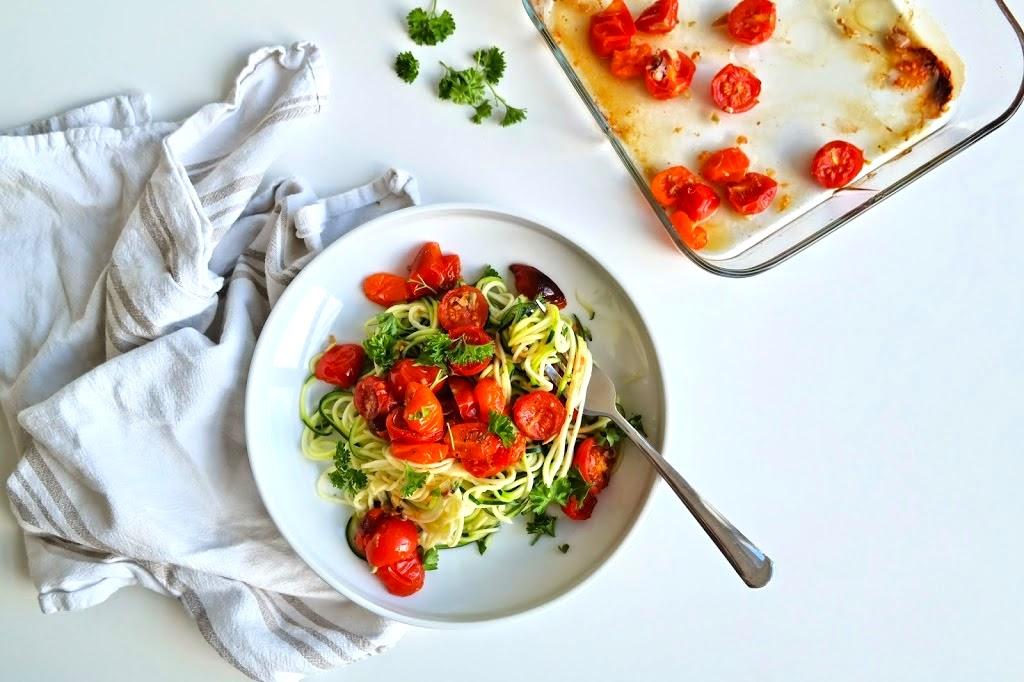 Squashpasta med ovnsbakte tomater